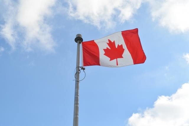 2月15日 国旗の日:カナダ