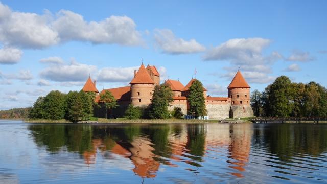 2月16日 リトアニア国家再建記念日:リトアニア