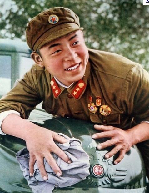 3月5日 雷鋒に学ぶ日:中国