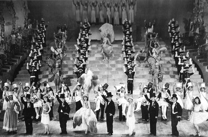 4月1日 「宝塚少女歌劇」初公演:1914年