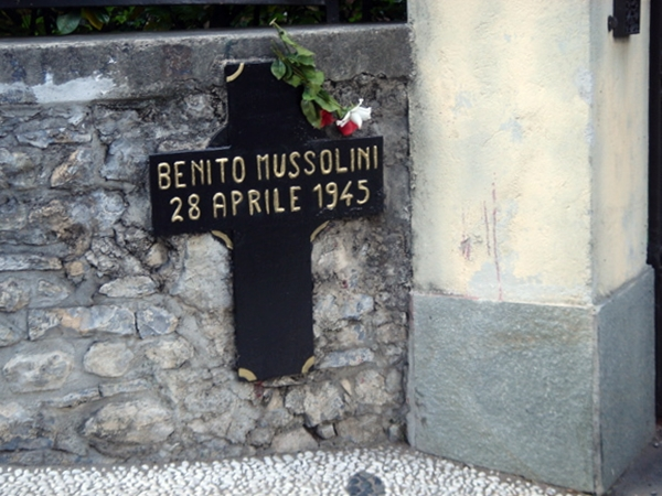 4月28日 「ムッソリーニ」銃殺:1945年
